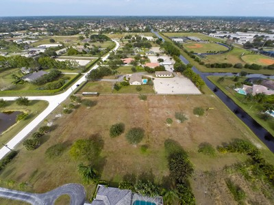 Land for sales at 2711 Appaloosa Trail   Wellington, Florida 33414 United States