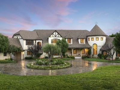 Vivienda unifamiliar for sales at 11476 Awenita Court  Chatsworth, California 91311 Estados Unidos