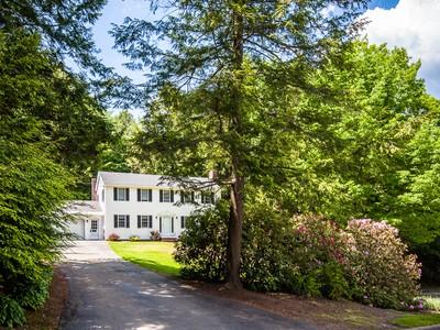 Villa for sales at 12 Julianne Lane   Augusta, Maine 04330 Stati Uniti