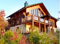 Einfamilienhaus for sales at Charlevoix 1526, chemin du Ruisseau-Jureux   Saint-Irenee, Quebec G0A1V0 Kanada