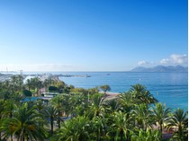 Apartment for sales at Luxurious apartment for sale with panoramic sea view on the Croisette La Croisette Cannes, Provence-Alpes-Cote D'Azur 06400 France