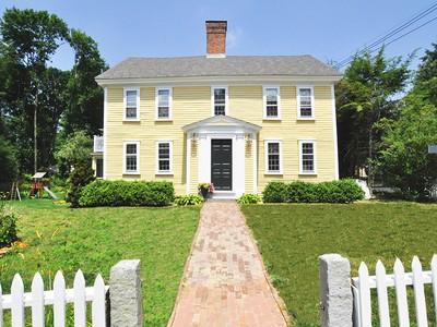 Casa para uma família for sales at Deacon Edmund Wheeler Home 2 Sandy Pond Road Lincoln, Massachusetts 01773 Estados Unidos
