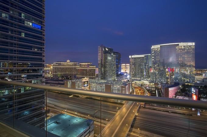 Copropriété for sales at 4525 Dean Martin Dr #2400    Las Vegas, Nevada 89103 États-Unis