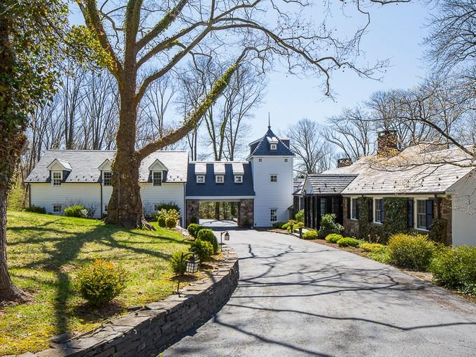 一戸建て for sales at Laden With Character and Gentle Water Views 142 Winant Road  Princeton, ニュージャージー 08540 アメリカ合衆国