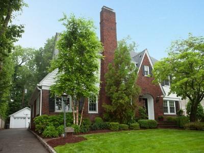 Moradia for sales at Stately Colonial 304 Forest Avenue Glen Ridge, Nova Jersey 07028 Estados Unidos