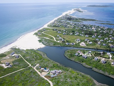 Villa for sales at One Of A Kind 9 Head of the Plains Road Nantucket, Massachusetts 02554 Stati Uniti