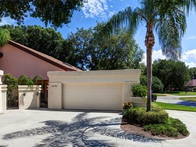 Stadthaus for sales at LONGWOOD VILLAS 5293  Tivoli Ave Sarasota, Florida 34235 Vereinigte Staaten