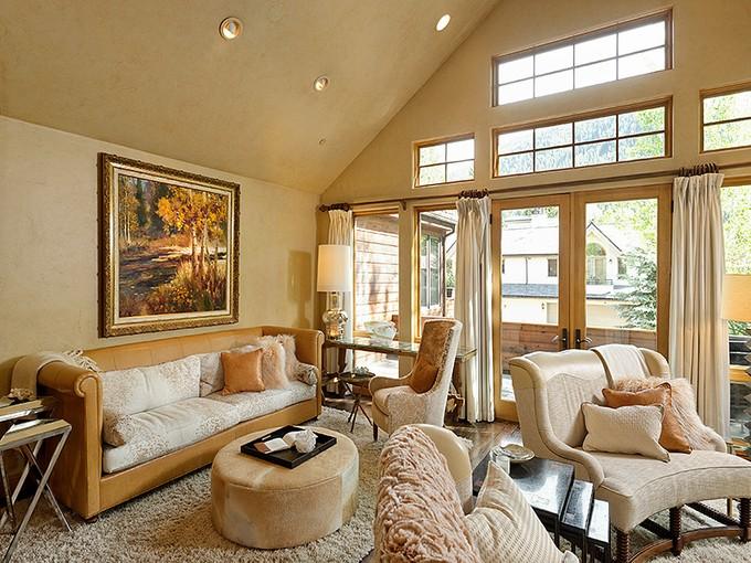 Duplex for sales at Elegant Mountain-Style Core Duplex 1011 East Hopkins Avenue Unit B Aspen, Colorado 81611 Estados Unidos