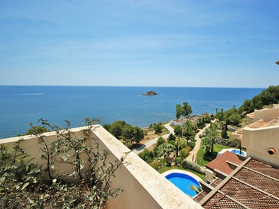 Apartment for sales at Impressive Penthouse in first line with great Views, Villa Gadea  Altea, Alicante Costa Blanca 03590 Spain