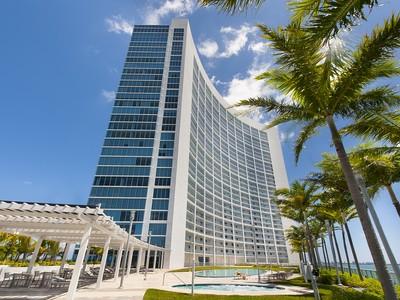 Nhà chung cư for sales at Blue 1907 601 NE 36th St Unit 1907 Miami, Florida 33137 Hoa Kỳ