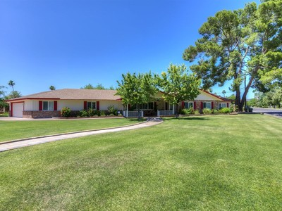 Einfamilienhaus for sales at Charming Updated Ranch Home Boasts Pride Of Ownership 1102 W Kaler Drive Phoenix, Arizona 85021 Vereinigte Staaten