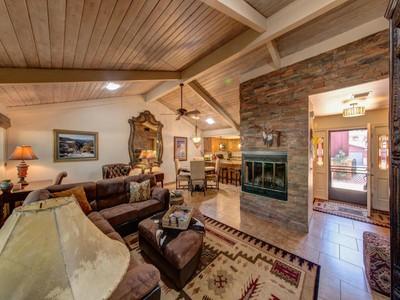 多棟聯建住宅 for sales at Beautiful Sedona Contemporary 55 Cathedral Rock Drive Sedona, 亞利桑那州 86351 美國