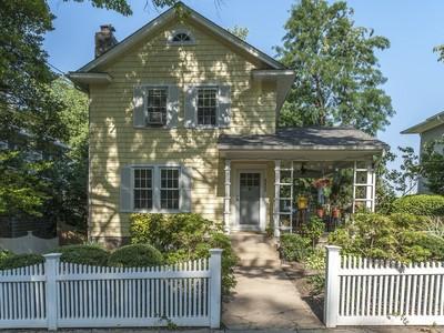 Maison unifamiliale for sales at North Cleveland Park 4403 38th Street Nw Washington, District De Columbia 20016 États-Unis