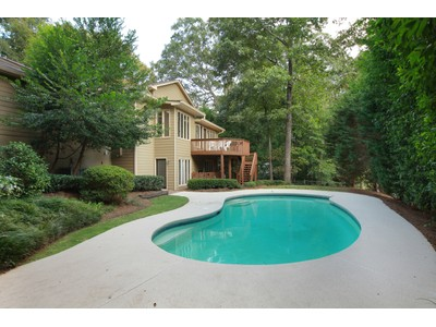 Частный односемейный дом for sales at Private, Spacious Buckhead Home 749 Glengary Way NE  Atlanta, Джорджия 30342 Соединенные Штаты