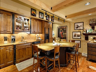 Eigentumswohnung for sales at Exquisite Remodel on the River 1034 E Cooper Street Unit 3A Aspen, Colorado 81611 United States