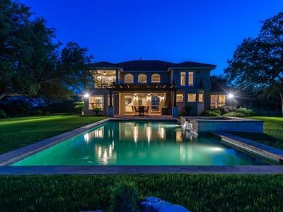 Nhà ở một gia đình for sales at Top Of The World View 3703 Peak Lookout Dr Austin, Texas 78738 Hoa Kỳ