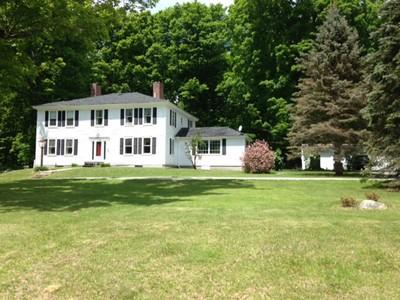 Vivienda unifamiliar for sales at Completely Renovated Antique Federal 125 Keene Road Antrim, Nueva Hampshire 03440 Estados Unidos