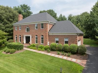 独户住宅 for sales at 899 Linganore Drive, Mclean  McLean, 弗吉尼亚州 22102 美国