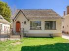 Casa para uma família for sales at Darling Cottage Style Bungalows 612/614 East 300 South Salt Lake City, Utah 84102 Estados Unidos