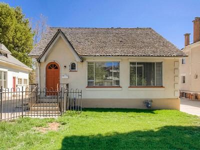 Nhà ở một gia đình for sales at Darling Cottage Style Bungalows 612/614 East 300 South Salt Lake City, Utah 84102 Hoa Kỳ