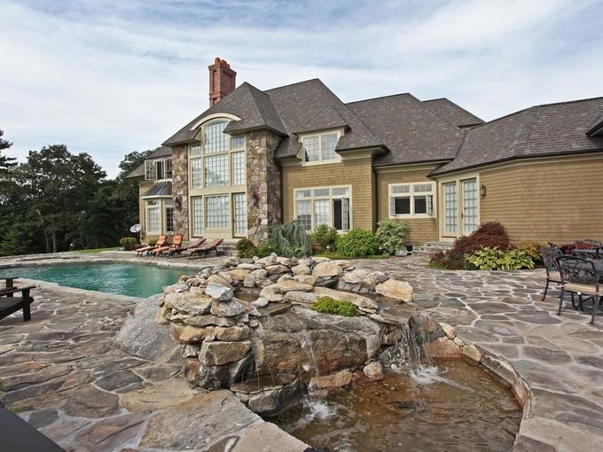Villa for sales at Elegant Country Home 10 Fox Run Sherman, Connecticut 06784 Stati Uniti