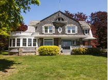 Maison unifamiliale for sales at Direct Waterfront on 1.83 Private Acres 23 Shawandassee Road   Waterford, Connecticut 06385 États-Unis