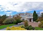 Villa for  sales at 4 Round Hill Court    Colts Neck, New Jersey 07722 Stati Uniti