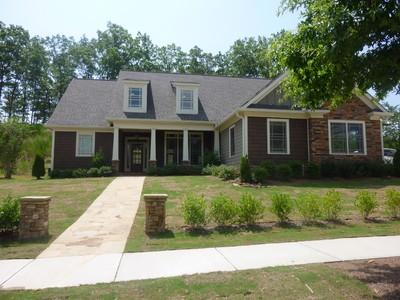 Single Family Home for rentals at Gorgeous Marina Bay 6808 Grand Marina Circle Gainesville, Georgia 30506 United States