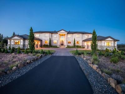 Nhà ở một gia đình for sales at 60990 Bachelor View Road  Bend, Oregon 97702 Hoa Kỳ