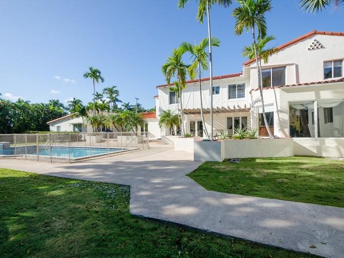단독 가정 주택 for sales at AMD PLAT OF SUNSET LAKE SUBPB 2755 N Bay RD Miami Beach, 플로리다 33140 미국