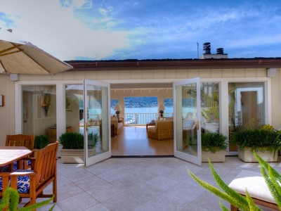 Maison unifamiliale for ventes at Location and Views! 85 West Shore Rd Belvedere, California 94920 United States