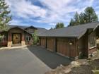Tek Ailelik Ev for  sales at Sophisticated Craftsman Style Home 3468 NW Denali Lane   Bend, Oregon 97701 Amerika Birleşik Devletleri