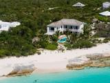 独户住宅 for sales at Saving Grace - Luxurious Beachfront Villa  Grace Bay, 普罗维登夏 TCI BWI 特克斯和凯科斯群岛