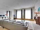 Квартира for  sales at Apartment - Faubourg Saint Honoré  Paris, Париж 75008 Франция