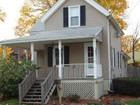 Nhà ở một gia đình for  sales at Charming Colonial Offering Plenty of Living Space 27 Edmund Street   Stratford, Connecticut 06614 Hoa Kỳ