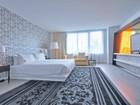 Condomínio for  sales at 1100 W Ave Unit 615 1100 W Ave # 615   Miami Beach, Florida 33131 Estados Unidos