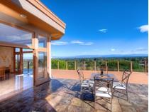Moradia for sales at 12638 La Cresta Court    Los Altos Hills, Califórnia 94022 Estados Unidos