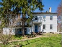 Частный односемейный дом for sales at Britton House: Full Of History And Inspiration 30 Homestead Lane   Roosevelt, Нью-Джерси 08555 Соединенные Штаты
