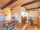 獨棟家庭住宅 for  sales at Spacious Home with Views 1085 Lindell Drive   El Sobrante, 加利福尼亞州 94803 美國