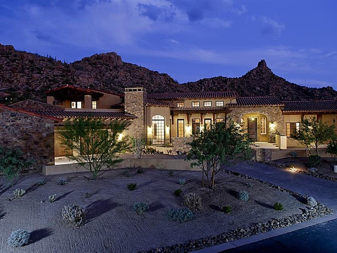 Casa para uma família for sales at Luxurious Masterpiece in Estancia with Stunning Views 27473 N 97th Place, Scottsdale, AZ 85262 Estados Unidos