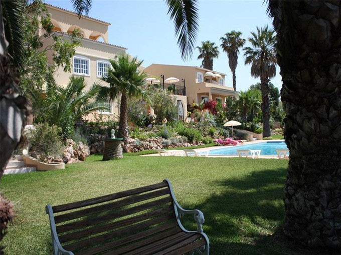 Moradia for sales at House, 11 bedrooms, for Sale Loule, Algarve Portugal