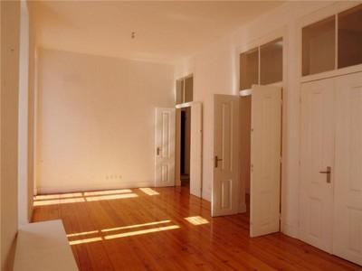 Appartement for sales at Flat, 3 bedrooms, for Sale Santos, Lisboa, Lisbonne Portugal