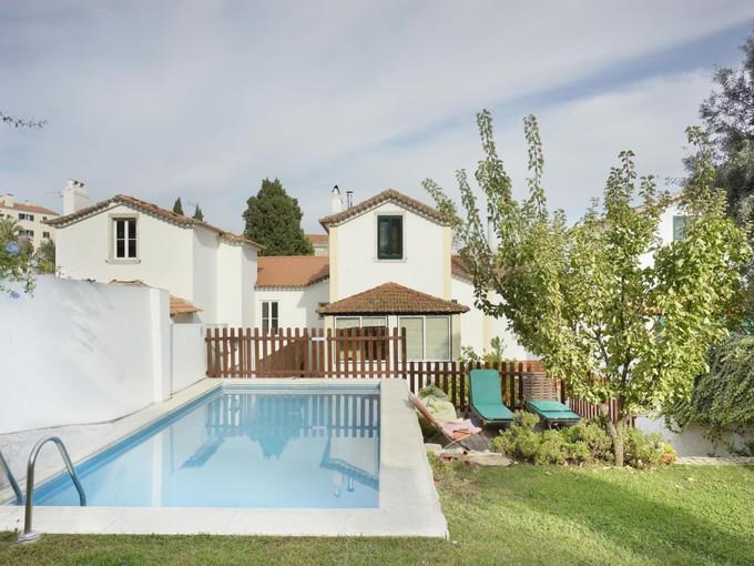 Vivienda unifamiliar for sales at House, 4 bedrooms, for Sale Monte Estoril, Cascais, Lisboa Portugal
