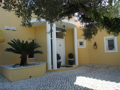 Casa Unifamiliar for sales at House, 3 bedrooms, for Sale Sintra, Lisboa Portugal
