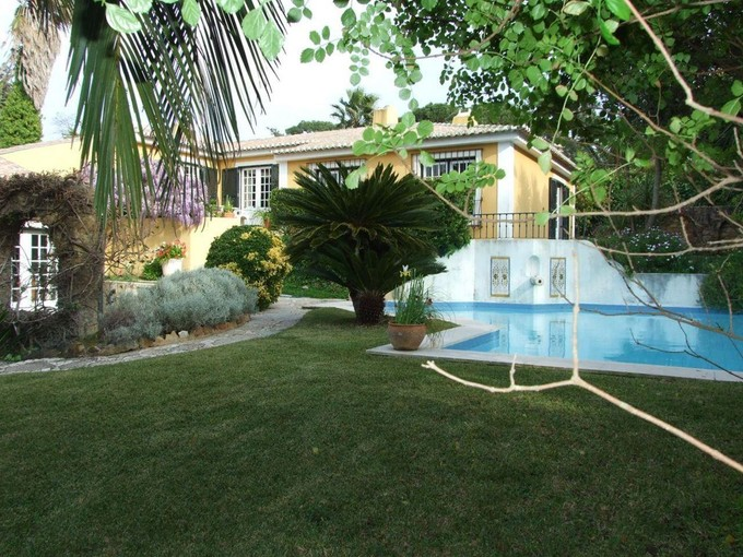 Maison unifamiliale for sales at House, 4 bedrooms, for Sale Estoril, Cascais, Lisboa Portugal