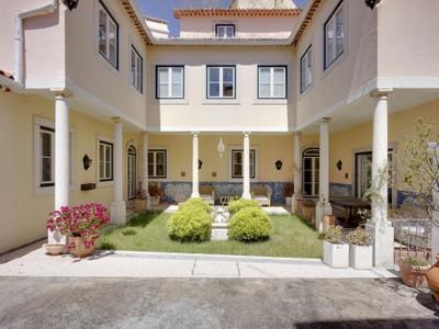 Частный односемейный дом for sales at House, 6 bedrooms, for Sale Principe Real, Lisboa, Лиссабон Португалия