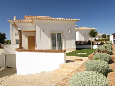 Einfamilienhaus for sales at Terraced house, 4 bedrooms, for Sale Loule, Algarve Portugal