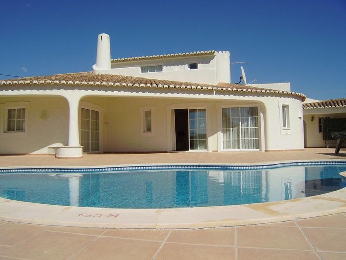 Moradia for sales at House, 3 bedrooms, for Sale Loule, Algarve Portugal