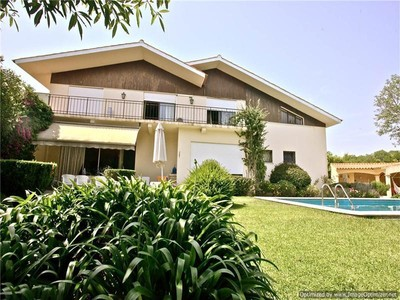 Villa for sales at House, 5 bedrooms, for Sale Oeiras, Lisbona Portogallo