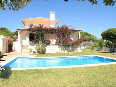 Villa for sales at House, 4 bedrooms, for Sale Caxias, Oeiras, Lisbona Portogallo